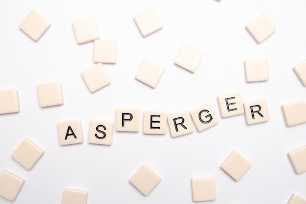 Asperger épelé en lettres