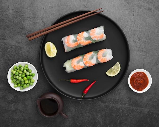 Assiette aux crevettes et petits pois