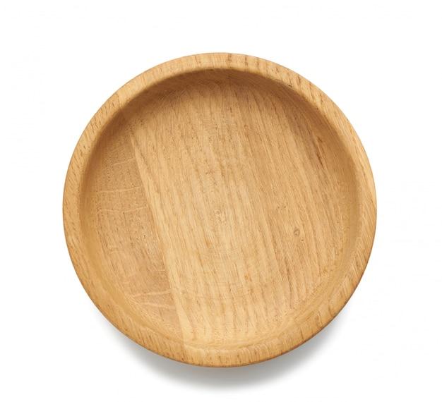 Assiette en bois ronde marron vide isolé sur espace blanc