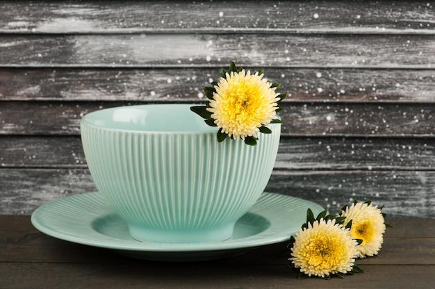Assiette et bol en porcelaine vintage bleu