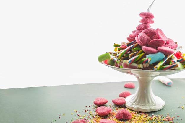 Assiette avec des bonbons