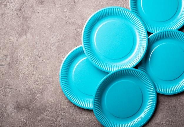 Assiette en carton bleue écologique