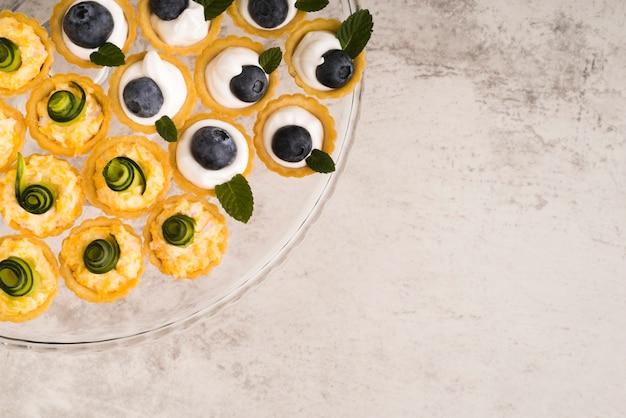 Assiette de copie avec dessert