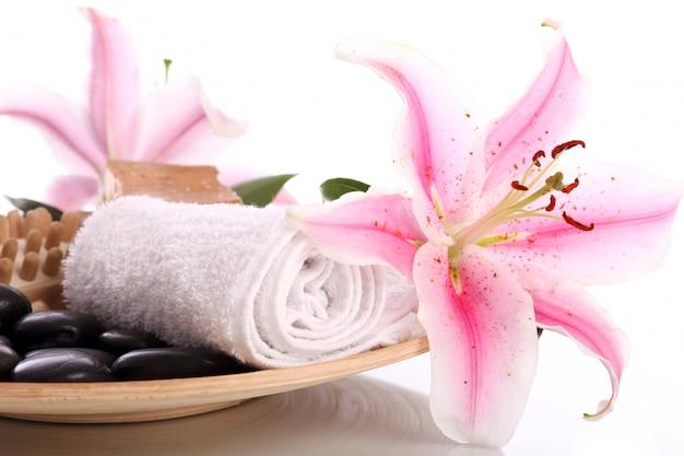 Assiette avec un inventaire pour le massage