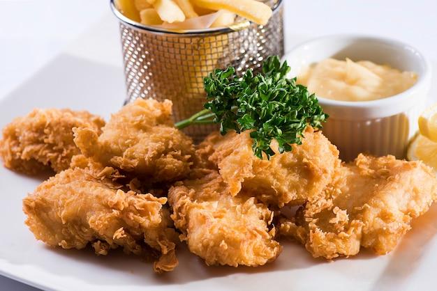 Assiette de nourriture incroyable poulet frit croustillant