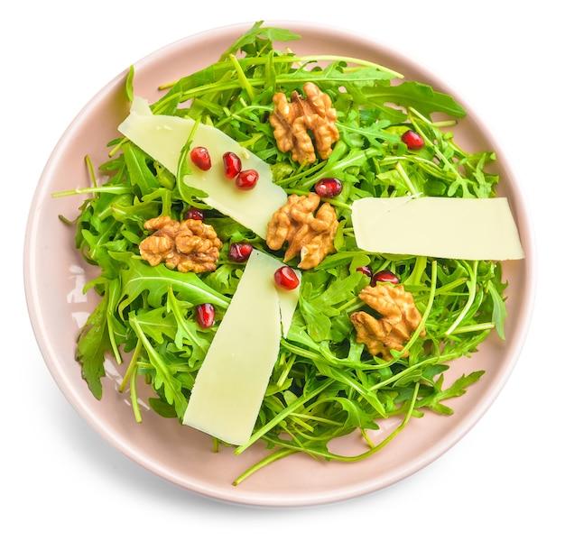 Assiette avec salade savoureuse