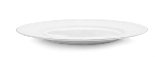 Assiette vide blanche sur espace blanc