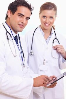 Assistants médicaux avec tablette