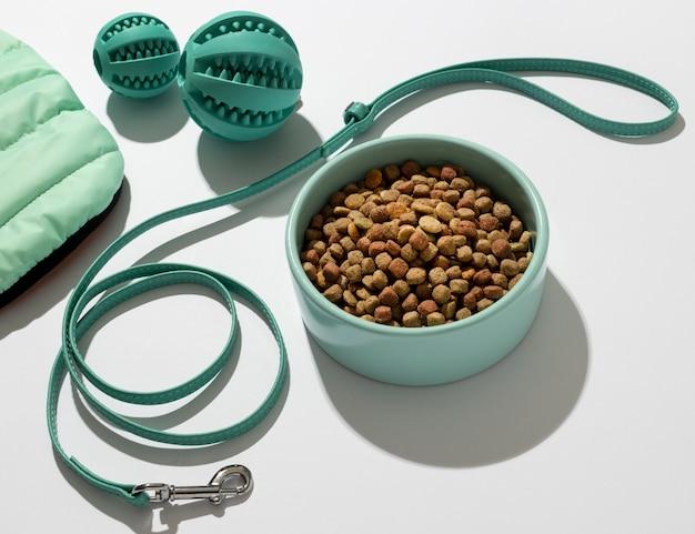 Assortiment d'accessoires pour animaux de compagnie still life
