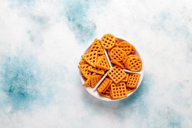 Assortiment de biscuits salés.