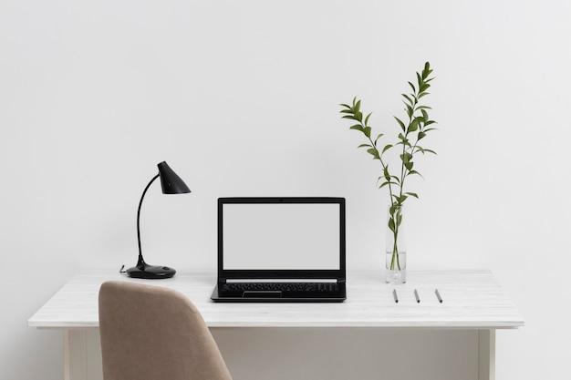 Assortiment de bureau d'affaires minimaliste