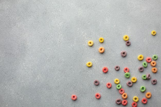 Assortiment de céréales colorées