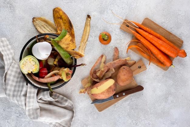 Assortiment de compost fait de nourriture pourrie