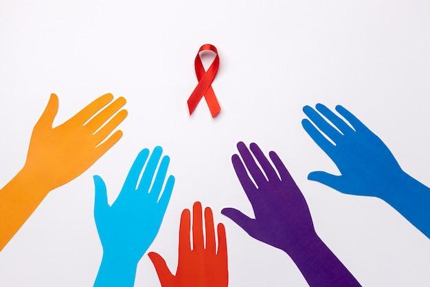 Assortiment de concept de la journée mondiale du sida avec symbole de ruban