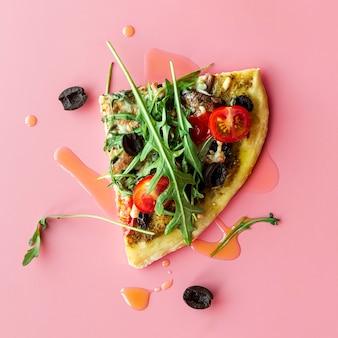 Assortiment créatif avec de délicieuses pizzas