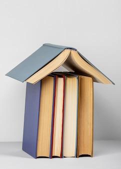 Assortiment créatif pour la journée mondiale du livre