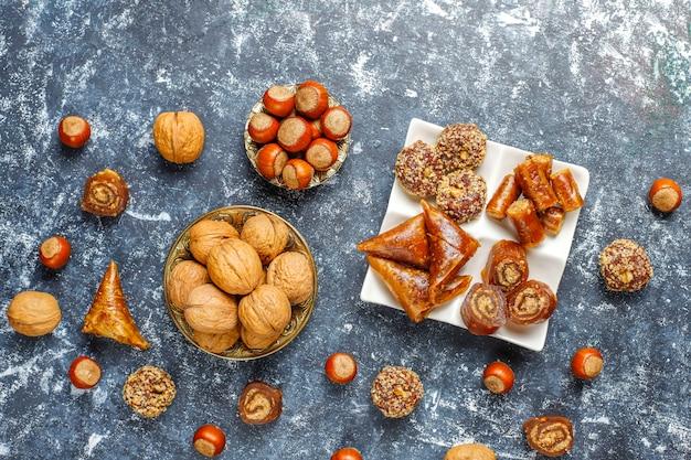 Assortiment de délices turcs traditionnels aux noix