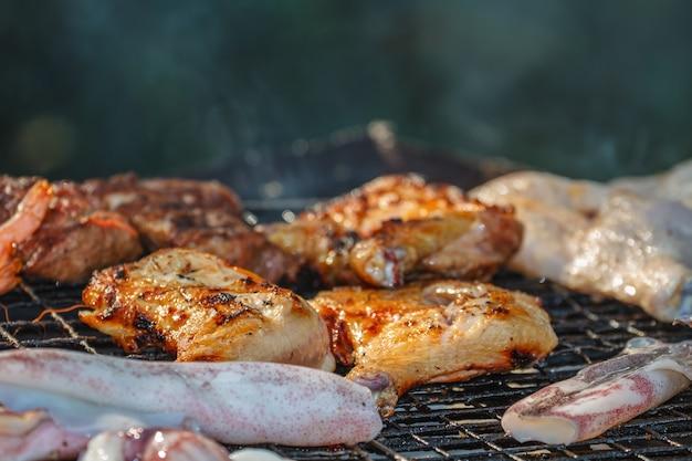 Assortiment de délicieuses viandes grillées