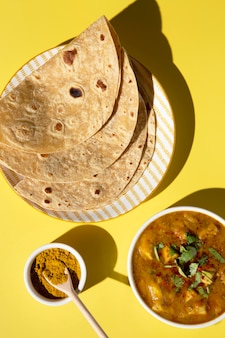 Assortiment de délicieux rotis indiens