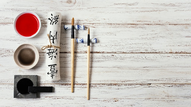 Assortiment d'éléments d'encre de chine avec espace copie