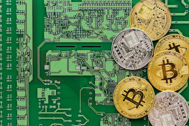 Assortiment d'innovation abstraite à plat avec des bitcoins