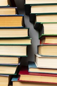 Assortiment de la journée mondiale du livre créatif