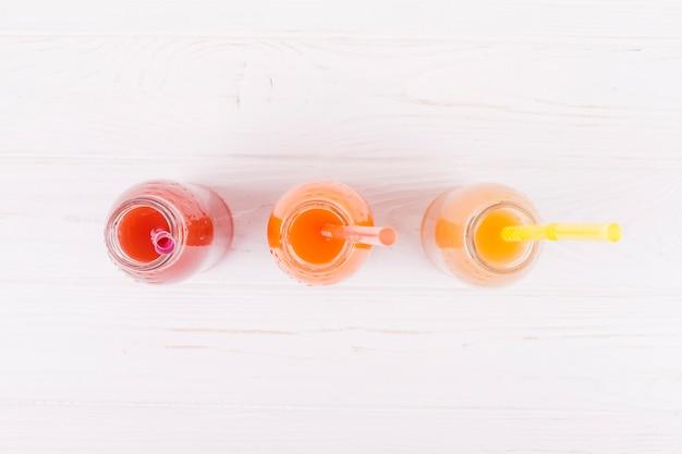 Assortiment de jus en bouteilles