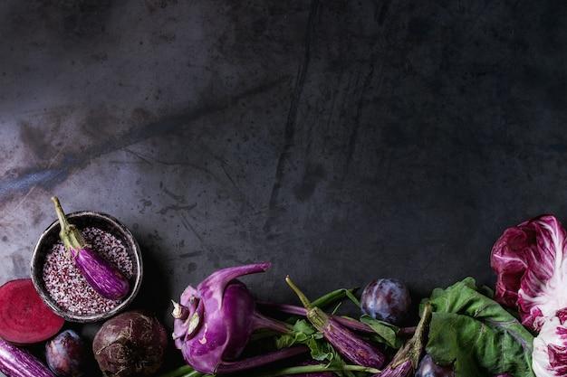 Assortiment de légumes violets
