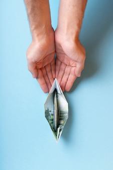 Assortiment de nature morte abstraite de la liberté financière