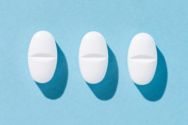 Assortiment de pilules vue de dessus