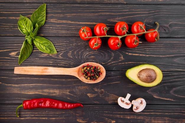 Assortiment plat de différents légumes