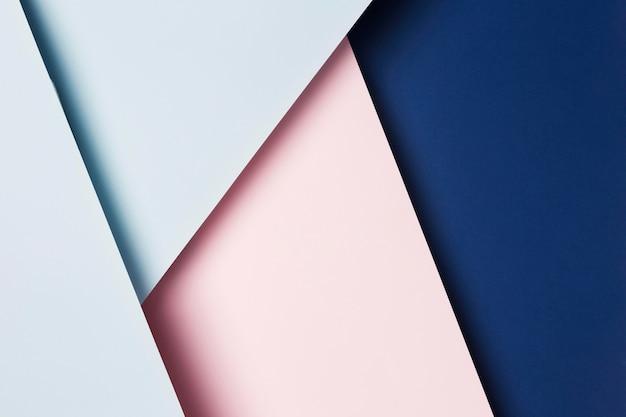Assortiment plat de feuilles de papier multicolores