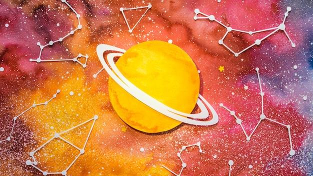 Assortiment plat de planètes en papier créatives