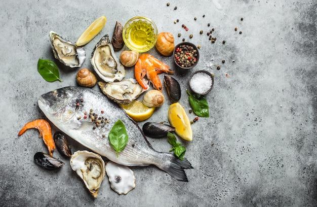 Assortiment de poissons et fruits de mer