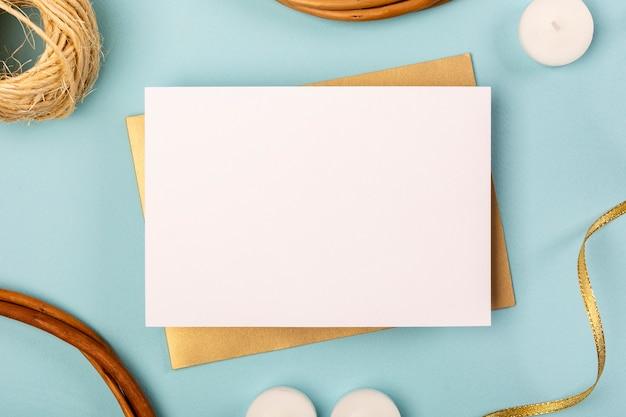 Assortiment de quinceañera avec carte vide