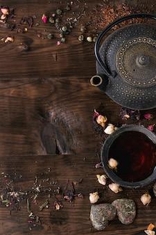 Assortiment de thé en arrière-plan