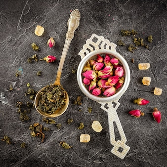 Assortiment de thé sec avec du thé