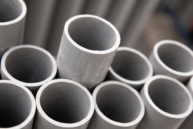 Assortiment de tuyaux en pvc de construction minimaliste