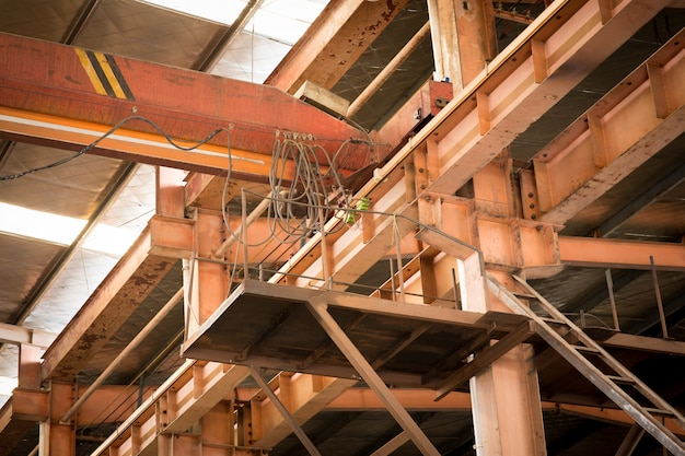 Atelier de fer au chantier naval.