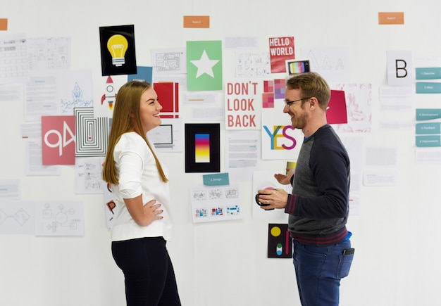 Atelier de présentation de jeunes entrepreneurs et du conseil stratégique