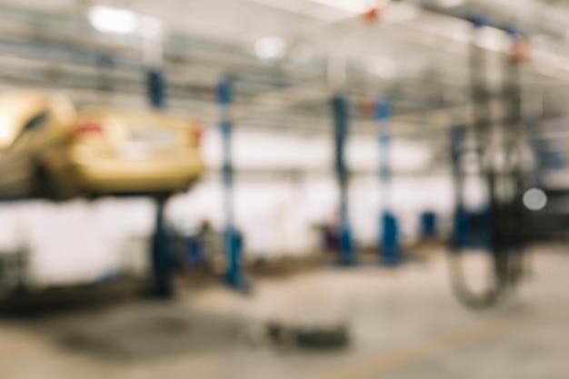 Atelier de réparation de voiture floue