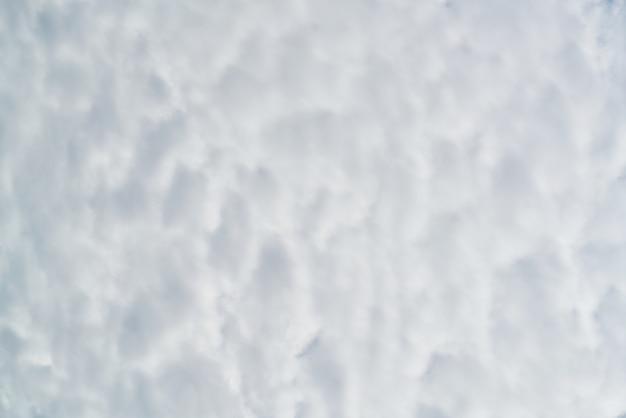 Atmosphère météo beau orageuse froid