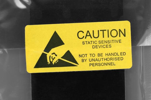 Attention paquet d'appareils sensibles à l'électricité statique