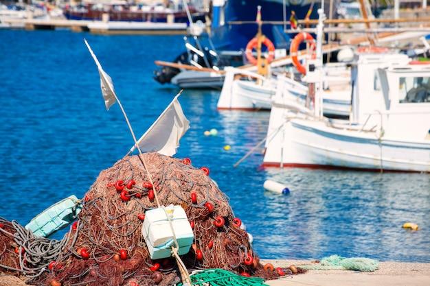 Attirail de pêche dans les îles méditerranéennes de formentera