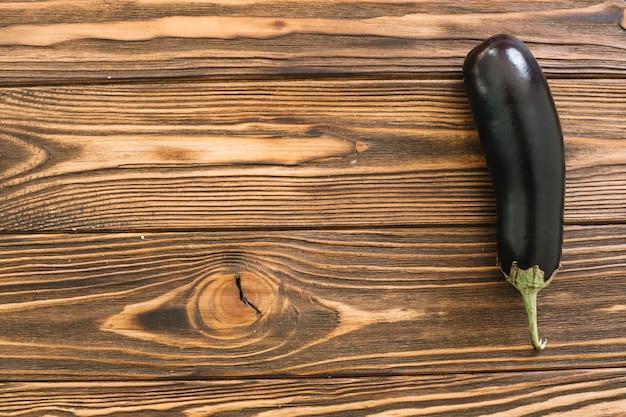 Aubergine sur la table