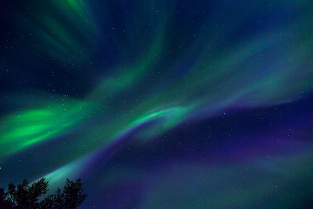 Aurores boréales à kiruna, en laponie, dans le nord de la suède.