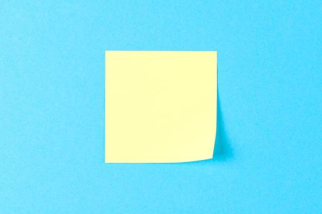 Autocollant jaune blanc sur bleu