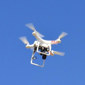 Automobiles légers hélicoptère de contrôle de drone