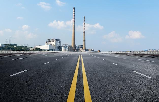 Autoroutes et centrales électriques