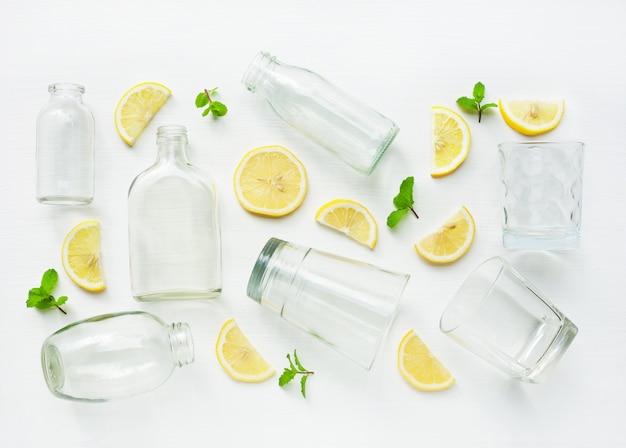 Avantages pour la santé de boire de l'eau chaude au citron.
